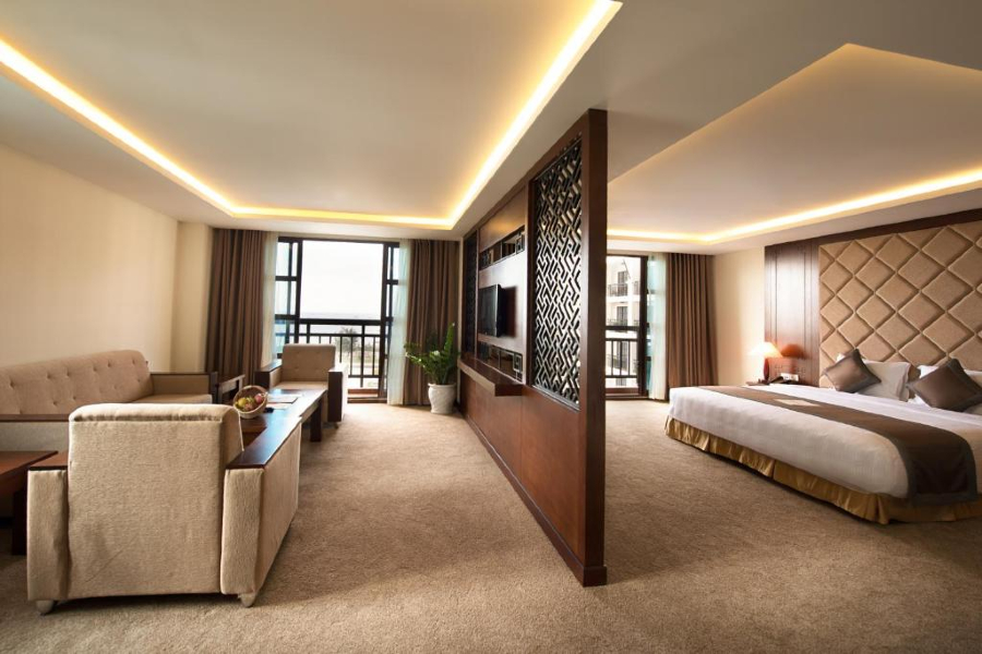 Phòng executive suite Mường thanh holiday hội an