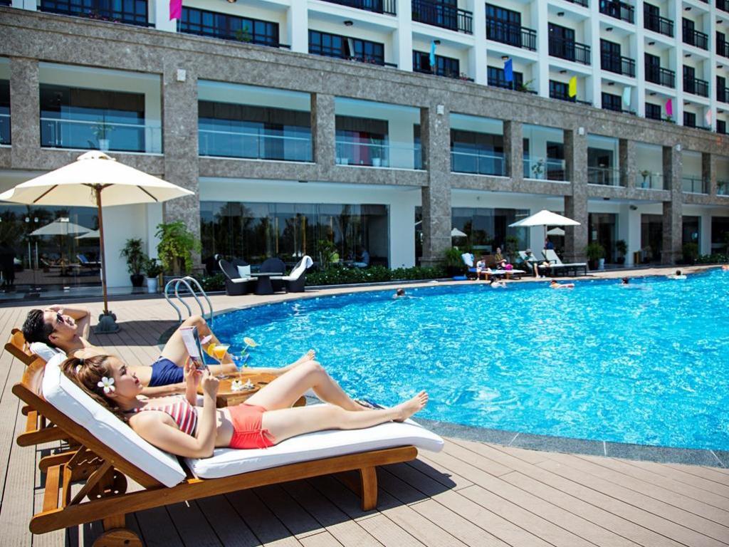Hồ bơi Mường thanh holiday hội an