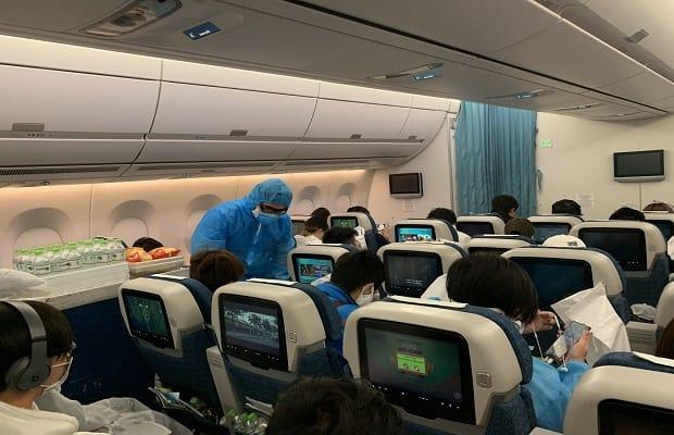 đối tượng của chuyến bay từ canada về việt nam tháng 4