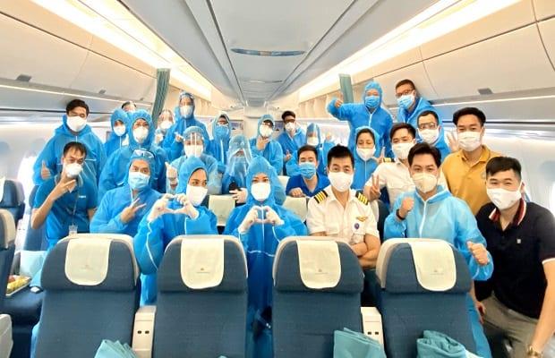 chú ý của chuyến bay từ Canada về Việt Nam vào tháng 4