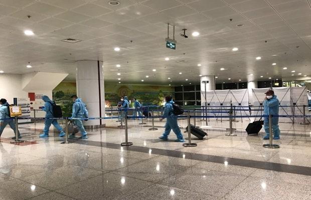 hành khách đặt vé máy bay từ Mỹ về Việt Nam tháng 4