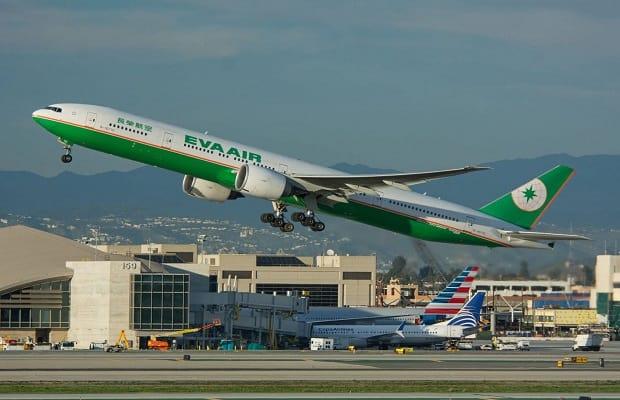 chú ý liên quan đến vé máy bay từ Mỹ về Việt Nam tháng 4