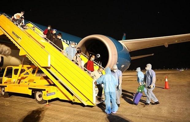 lịch trình vé máy bay từ Mỹ về Việt Nam tháng 4