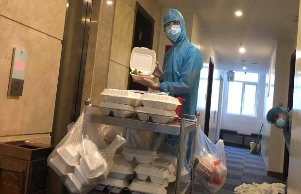 Trong combo cách ly trọn gói, khách sạn sẽ phục vụ 3 bữa ăn/ngày đầy đủ dưỡng chất cho quý khách